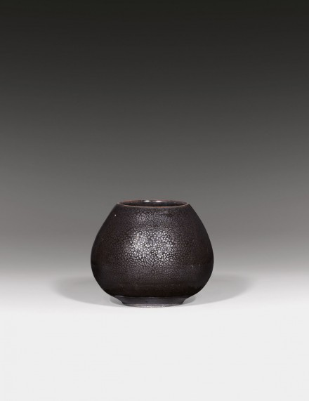 AN 'OIL SPOT'-GLAZED STONEWARE LOTUS-BUD FORM JAR