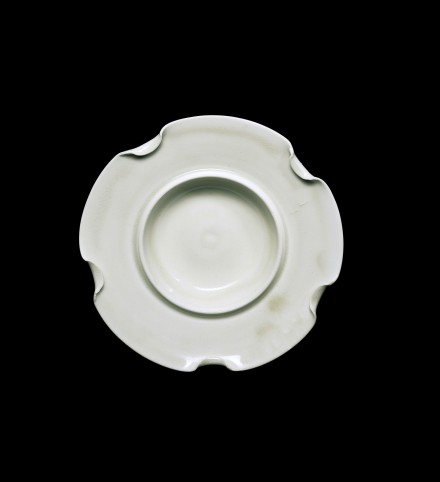 A XINGYAO WHITE PORCELAIN BOWL-STAND