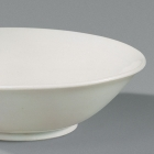 A XINGYAO WHITE PORCELAIN SHALLOW BOWL