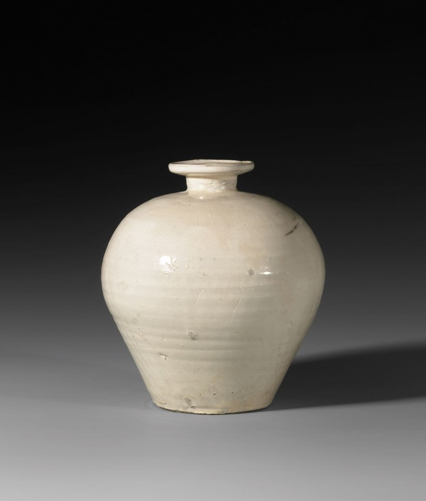A WHITE CIZHOU POTTERY MEIPING